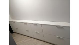 Шкаф за обувки с бял МДФ