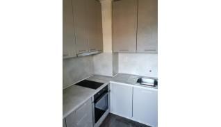 Кухня с фрезовани в МДФ врати дръжки