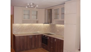 Кухня от ПДЧ с вграден хладилник Еми
