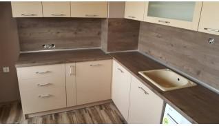 Кухня в панелно жилище Тина