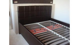 Тапицирано легло с механизъм Раман